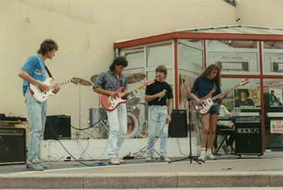 Le groupe en 1989<br>avec Fabrice, Laurent, Bouille, Dominique, Richard & Stephane
